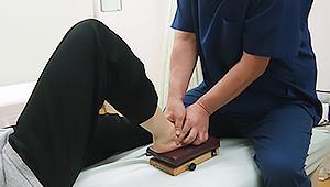 ドロッパーを使用した、足根骨(距骨)の矯正